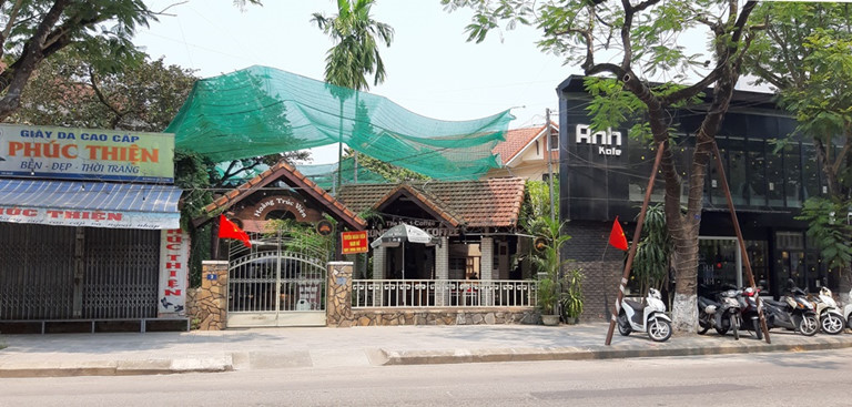 Restaurants, coffee chains in Vietnam switch to selling online delivery