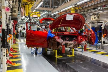 Công nghiệp ô tô châu Âu chìm trong khủng hoảng vì Covid-19