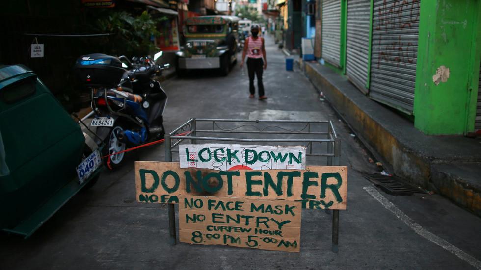 Tổng thống Philippines tuyên bố bắn người vi phạm lệnh phong tỏa