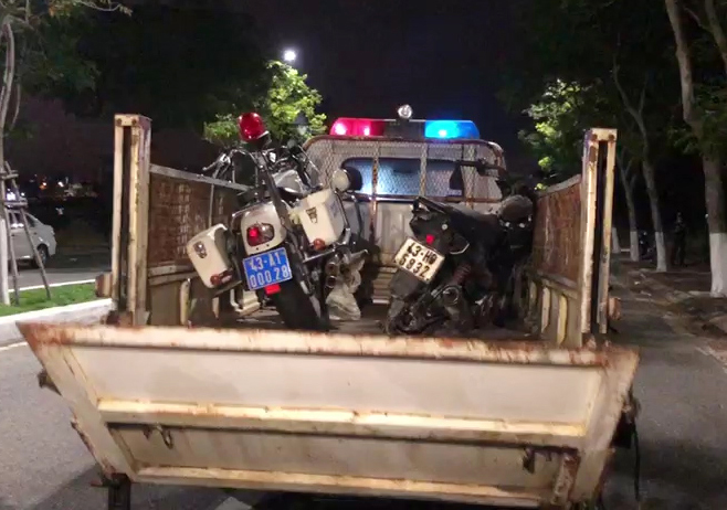 Truy đuổi nhóm đua xe, 2 chiến sĩ công an hy sinh: Tạm giữ 8 nghi phạm