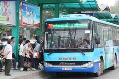 Hà Nội bố trí hơn 100 xe buýt đưa người hết hạn cách ly về quê