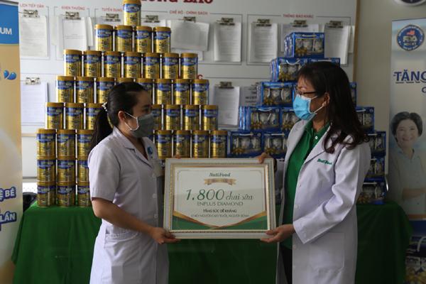 NutiFood bảo vệ sức khỏe người cao tuổi trong mùa dịch