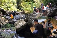 Phớt lờ lệnh cấm tụ tập, nhiều nhóm 'phượt thủ' kéo nhau lên núi dã ngoại