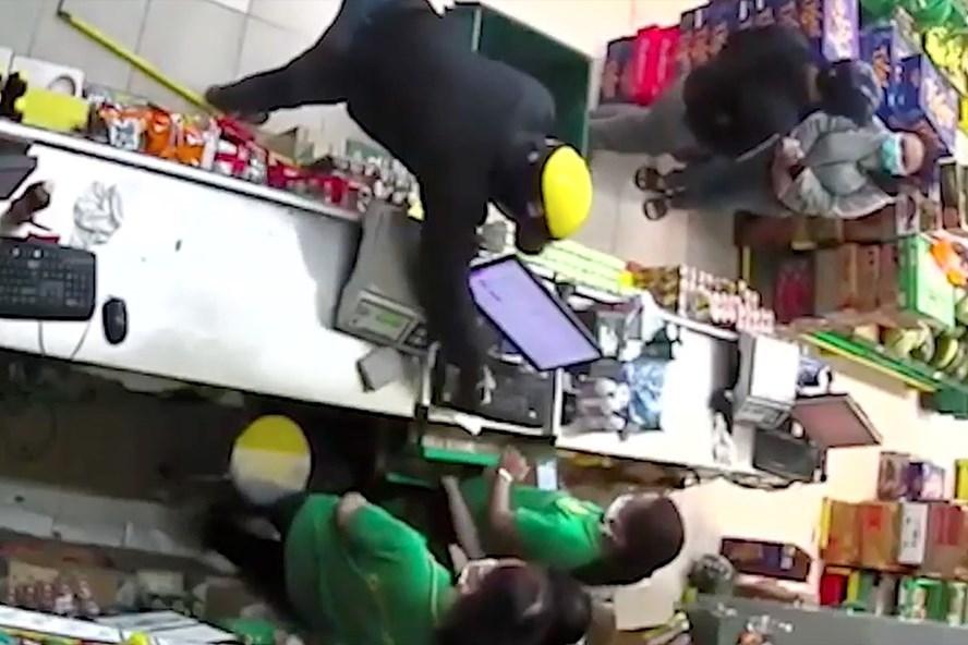 Cảnh sát hình sự cảnh báo nạn cướp manh động trong mùa dịch Covid 19