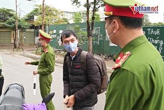 Hà Nội: Ra đường không lý do thuyết phục, người phụ nữ bị 'mời' quay về nhà