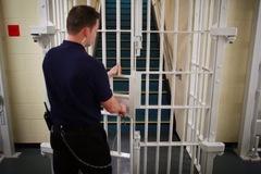 Anh tạm thả 4.000 tù nhân để ngăn Covid-19 lây lan