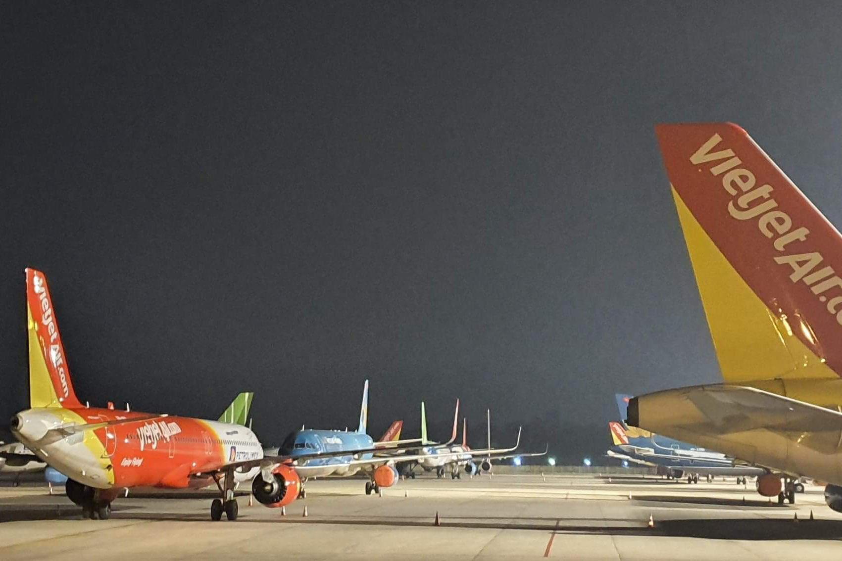 Cục Hàng không yêu cầu giảm tần suất máy bay nhỏ tại Tân Sơn Nhất