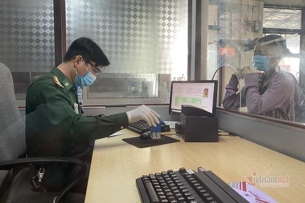 Công dân hạn chế tối đa đi lại giữa Việt Nam - Lào