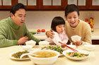 Thu nhập 10 triệu/tháng, sống giữa Hà Nội chỉ tiêu 3,8 triệu cho 4 người