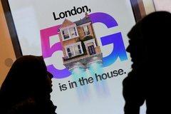 Các trạm phát sóng 5G của Anh bị đốt do thuyết âm mưu liên quan đến Covid-19