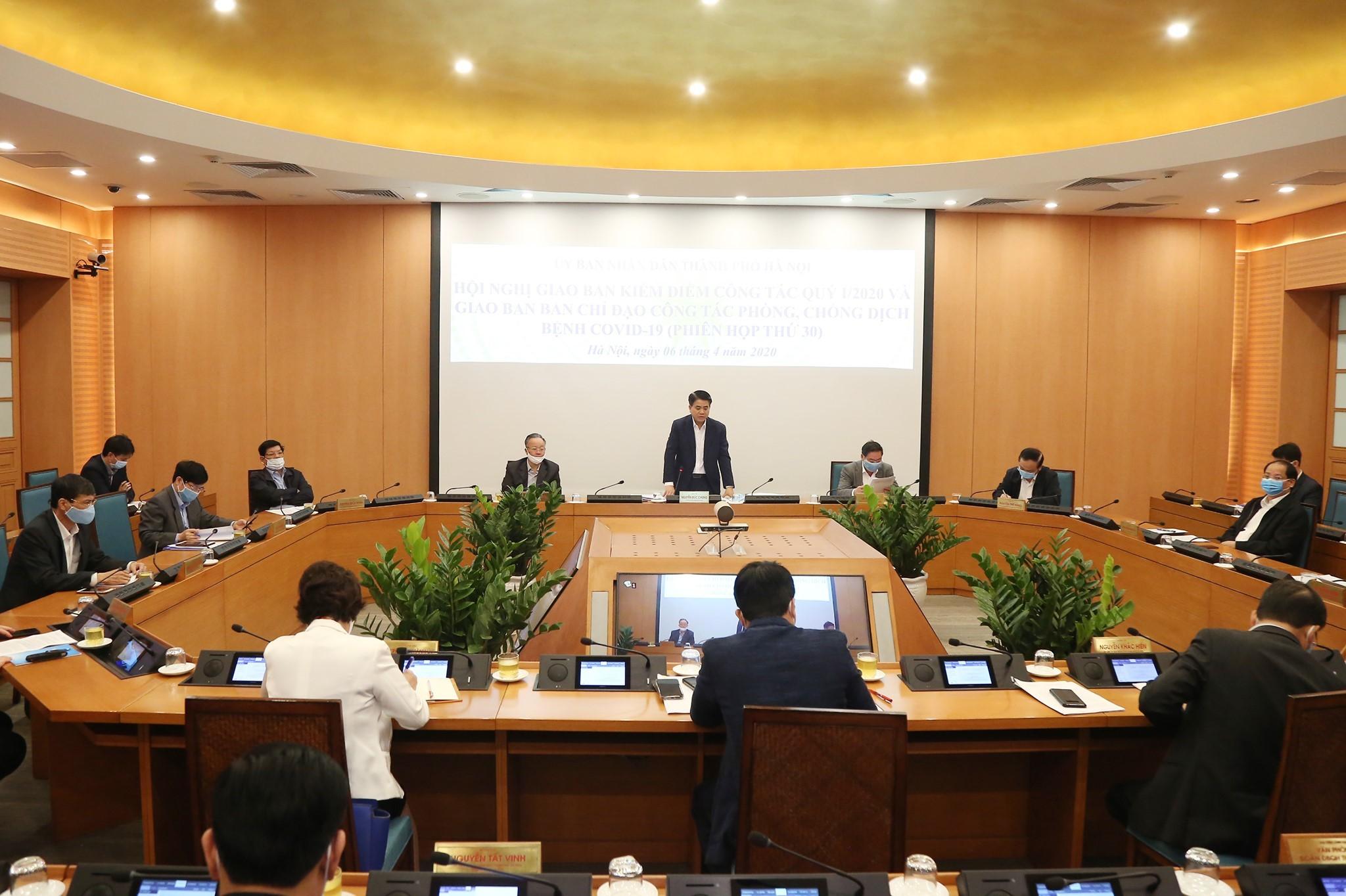 Hà Nội xem xét trách nhiệm một chủ tịch phường vì chậm thực hiện cách ly