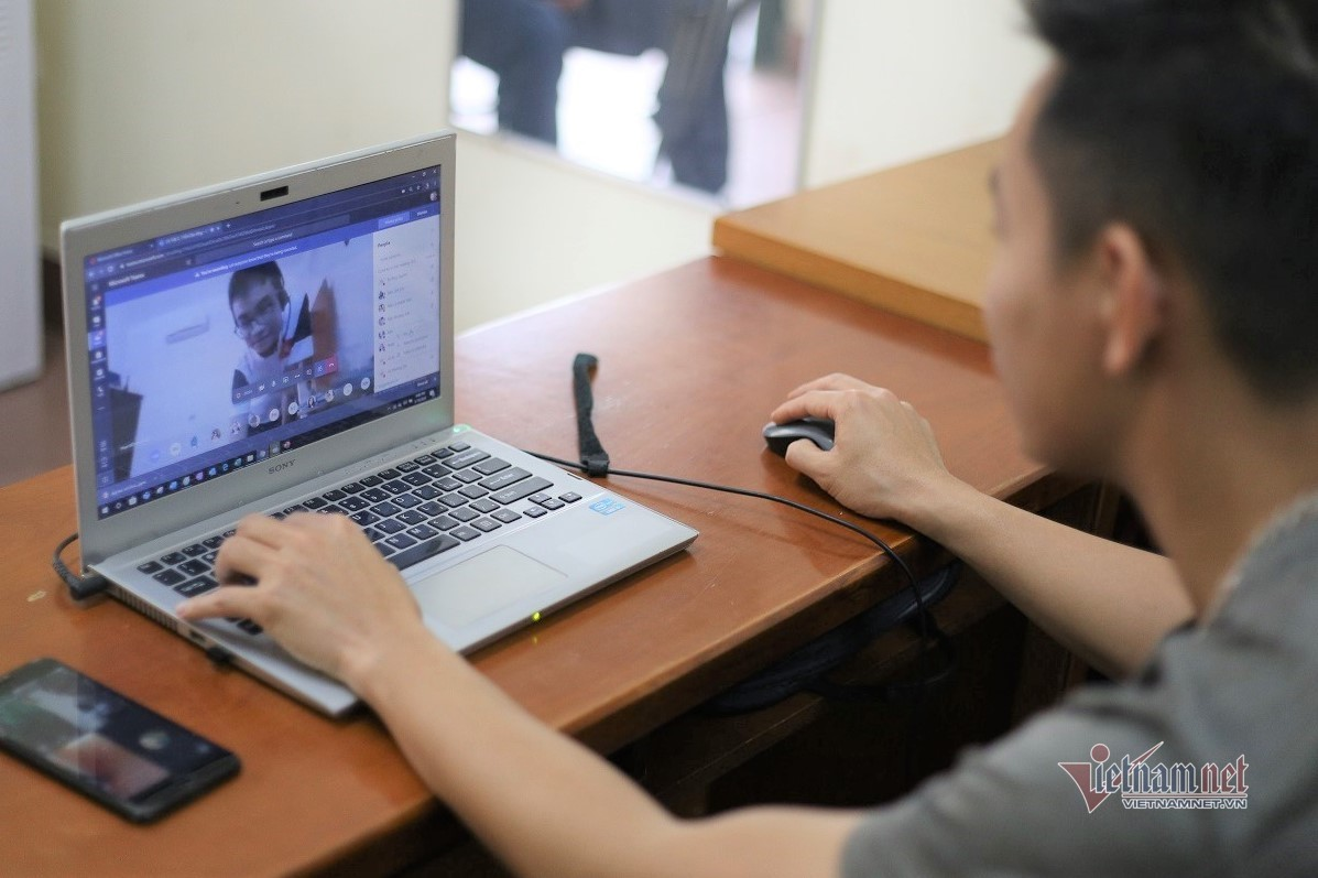 Những tình huống hài hước khi dạy học trực tuyến