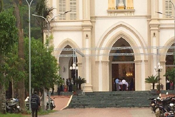 Hà Tĩnh xử phạt 7 linh mục tổ chức hành lễ đông người giữa mùa dịch