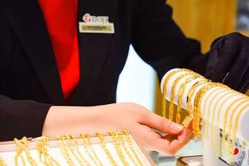 Giá vàng hôm nay 7/4: Thời điểm đã đến, vàng tăng vọt