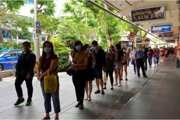 Trang The Onlinecitizen đưa tin gần 300 người Việt mắc kẹt tại Singapore vì Covid-19