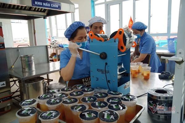 Những cô giáo Hải Phòng hết lòng với phòng chống Covid-19