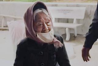Cụ bà trăm tuổi ủng hộ 50 quả trứng cho quỹ chống dịch