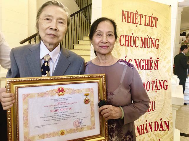 Bố đẻ 'hoạ mi' Khánh Linh  - NSƯT Ngọc Hướng qua đời