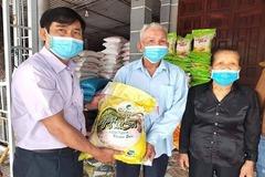 Giáo dân 91 tuổi ở Hà Tĩnh góp hơn 1 tấn gạo chống dịch