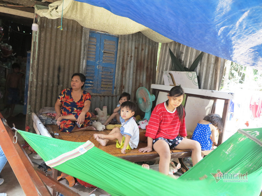 Tình người trong xóm trọ nghèo nhất Sài Gòn mùa dịch Covid-19