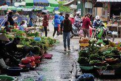 Người Hạ Long bị nêu tên nếu đi chợ quá 2 lần/ngày