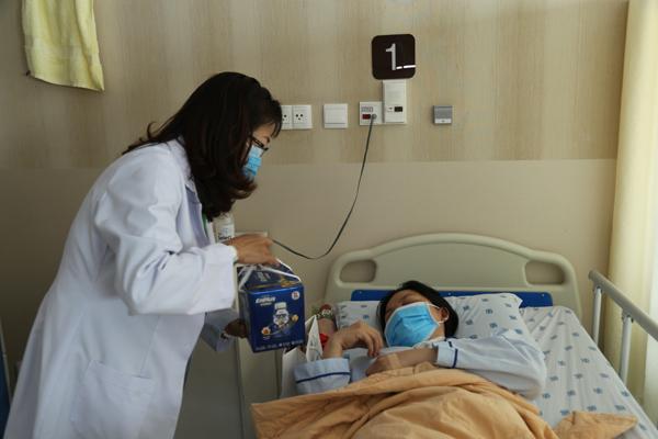 NutiFood tặng hơn 5 tỷ đồng cho các bệnh viện tuyến đầu chống dịch Covid-19