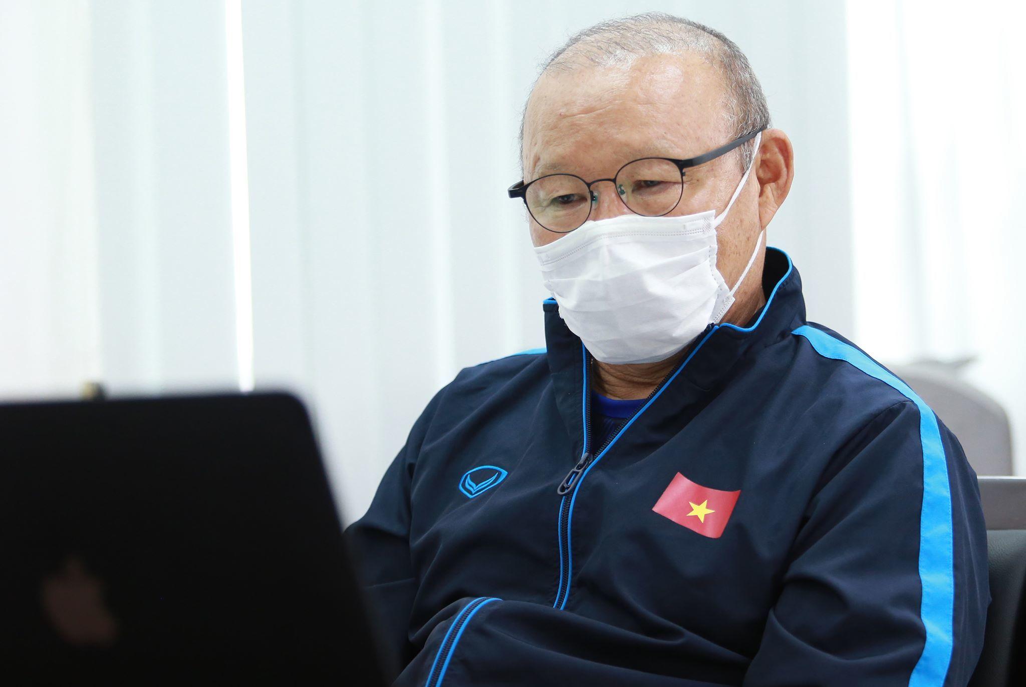 VFF 'lệnh' thầy Park tìm gấp phương án thay Đặng Văn Lâm