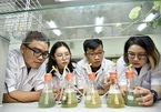 Vietnamese students raise algae in motorcycle exhaust pipes to reduce emissions