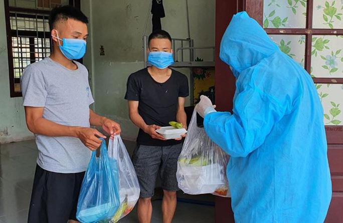 Hơn 1 tỷ đồng hỗ trợ tiền ăn cho người dân Quảng Nam đang cách ly