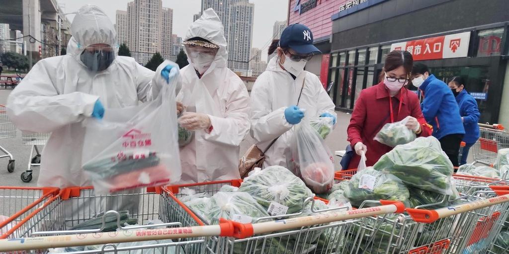 Binh đoàn shipper nuôi sống người Trung Quốc trong đại dịch Covid-19