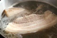 Bí quyết luộc thịt lợn thơm lừng, trắng giòn, chín ngọt