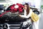 Hoa hậu khoe kim cương, tuyên bố 'chẳng có gì ngoài tiền' lộ gia tài giàu có khủng khiếp