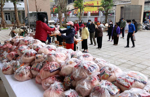 Hanoi earmarks $28.2m for the poor amid COVID-19 pandemic