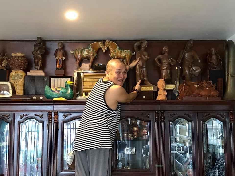 Căn nhà nhiều đồ cổ đắt tiền của 'Vua hài đất Bắc' Xuân Hinh