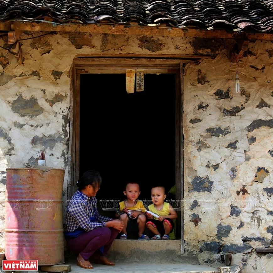 Non Nuoc Cao Bang,geopark,cao bang travel,cao bang tourism