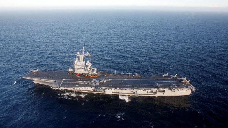 Hàng chục thủy thủ siêu tàu sân bay Pháp có triệu chứng Covid-19