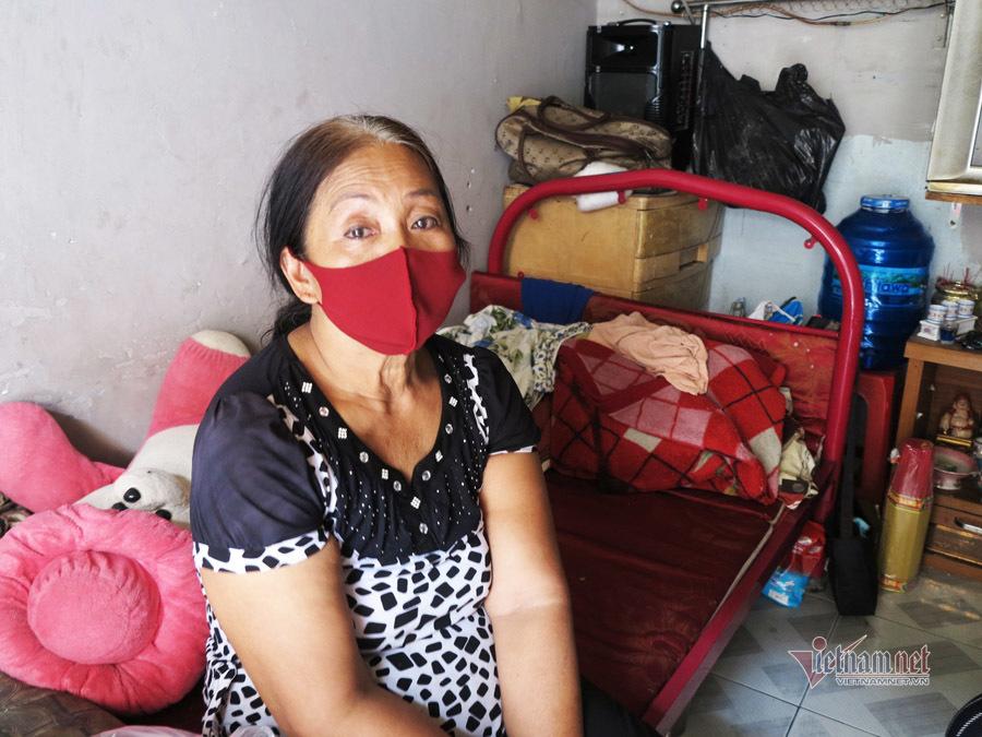 Bị giật tiền giữa đêm, chị bán cá nghẹn ngào ôm 5kg gạo về nhà