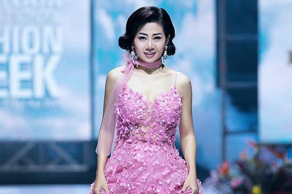 Đấu giá chiếc váy Mai Phương mặc, góp 60 triệu cho quỹ bé Lavie