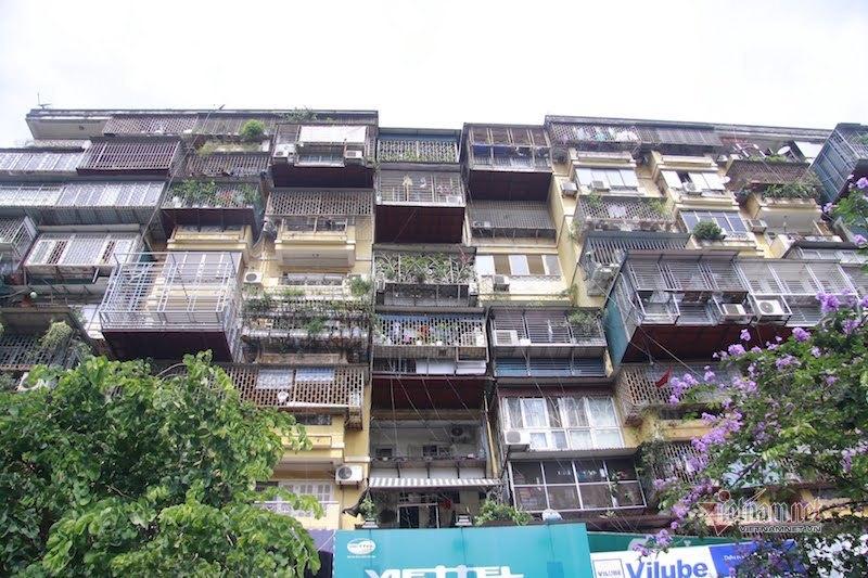 Dân chung cư đắc địa ở Thủ đô cấp tập làm 'chuồng cọp' giữa mùa dịch