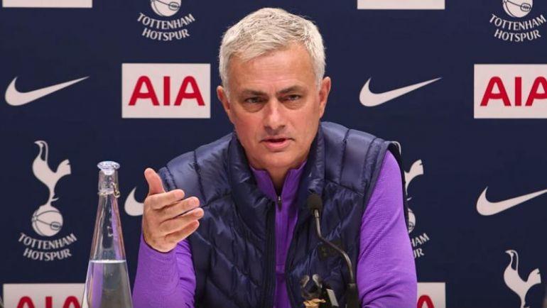Jadon Sancho hãy từ chối MU, Mourinho nhận sai