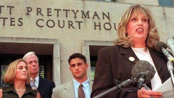 Woman who revealed Clinton-Lewinsky scandal dies