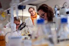 Na Uy tăng cường hỗ trợ hoạt động nghiên cứu thuốc điều trị Covid-19