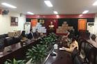 Tăng ni, phật tử chùa Hoà Trúc tặng 2.000 khẩu trang cho các chiến sĩ phòng CSGT Hà Nội