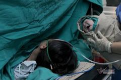 Tiếng khóc chào đời của 'chiến binh' giữa khu cách ly Bạch Mai