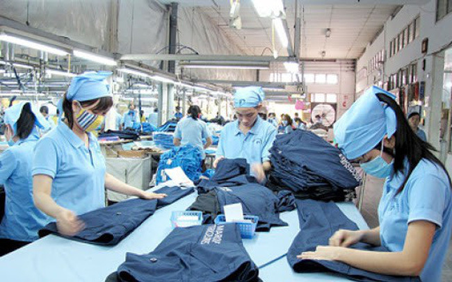 VN autos, textiles and garments, wooden furniture businesses suffer during Covid-19