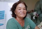 Sinh viên, công nhân mừng rơi nước mắt khi bà chủ nhà trọ miễn tiền thuê phòng
