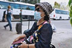 Không biết ngoại ngữ, cụ bà vẫn đi du lịch Mỹ, về phải cách ly 17 ngày