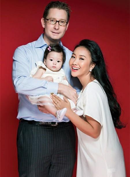 Cuộc sống viên mãn của Đoan Trang khi làm vợ doanh nhân Thuỵ Điển