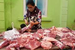 Bộ tính đủ nguồn chợ vẫn kêu thiếu, thịt lợn tăng giá kỷ lục