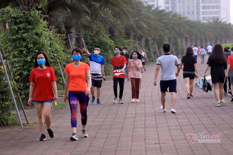 Chủ tịch Hà Nội tha thiết mong dân nghiêm túc cách ly xã hội thêm 5 ngày
